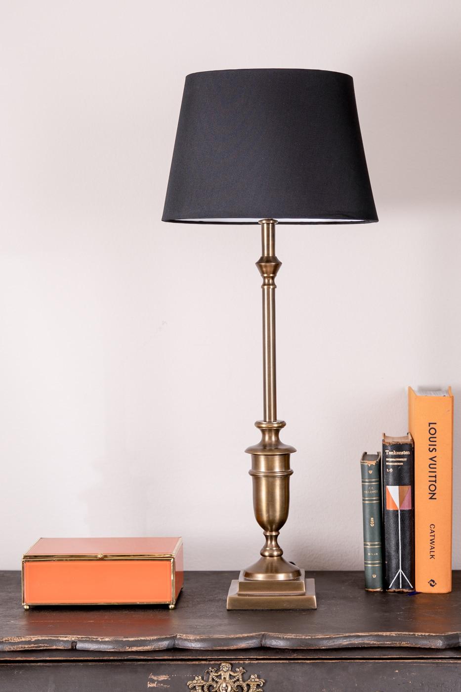 Lampfot Albertina