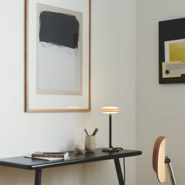Shade ØS1 LED-bordslampa ringar mässing fot svart